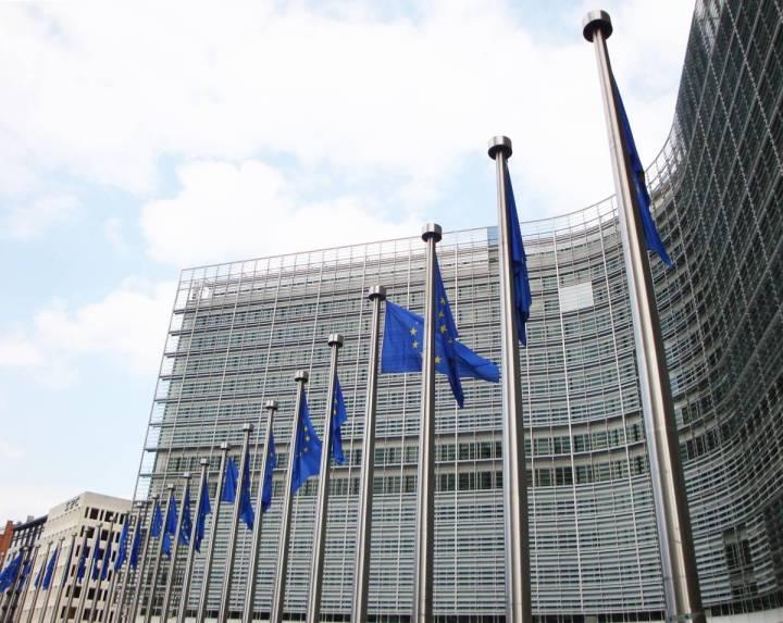 parlamentul_european_iluminat_LED.jpg